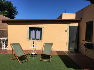 Beautiful apt with garden & terrace