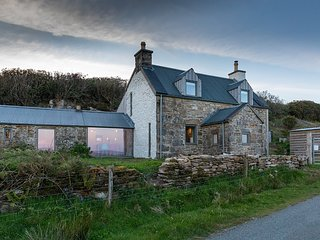 Stone Cottage Skye - Luxury & romantic. A renovated traditional Highland cottage