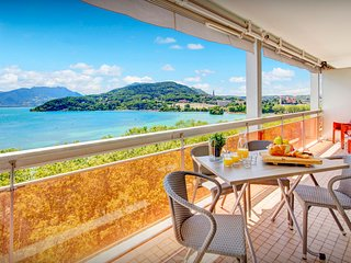 Lakeside penthouse with views that take your breath away - OVO Network