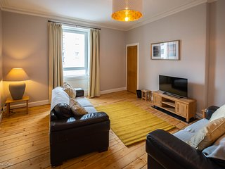 Beautiful Central Traditional 1 Bedroom Flat