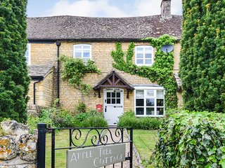 Appletree Cottage, Bourton-on-the-Water, Cotswolds - Sleeps 5, Bourton-on-the-Wa