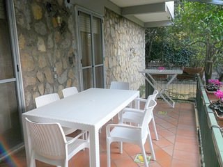Sorrento Apartment Sleeps 6 with Pool Air Con and WiFi - 5248217
