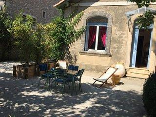 Charmante maison rénovée centre Eygalières