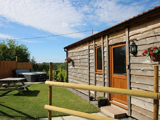 Cherry Lodge, Washford - Cosy Holiday Lodge for 2 guests