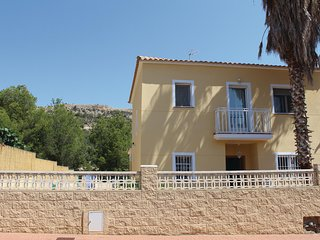 Beautiful home in Alfaz del Pi w/ WiFi and 6 Bedrooms