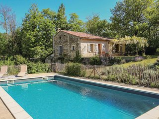 Awesome home in Le Poet Laval w/ Outdoor swimming pool, Outdoor swimming pool an