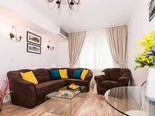 ★★★★Stylish Apartment | Old Town | Free cleaning bi-weekly | Serviced Apartment