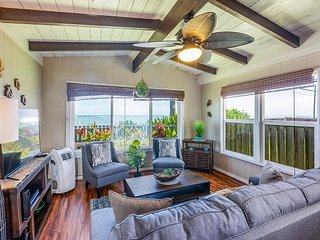 New Dates Available! Mountain-View Beachside Turtle Bungalow - Steps to Ocean