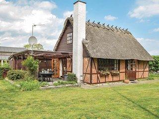 Nice home in Juelsminde w/ 3 Bedrooms
