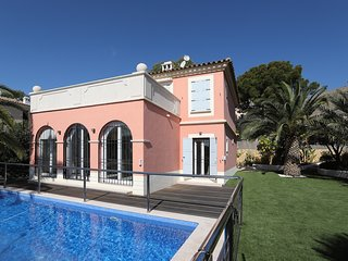 Luxury villa located in the exclusive area of ​​Finestrat