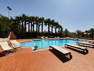 Santa Maria del Focallo Villa Sleeps 10 with Pool Air Con and WiFi - 5310581