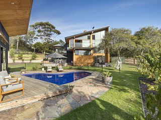 Holiday Shacks - Glen Shian Beach House - Deluxe pool, water views, WiFi, AC, wa