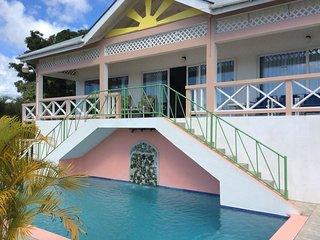 Scarbrough villa, 30' pool, 3 en-suite bedrooms