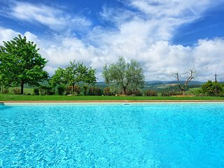 Luiano Villa Sleeps 10 with Pool Air Con and WiFi - 5241748