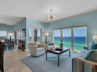 Panoramic Gulf Views In This 3 Bedroom 3 bathroom Penthouse. Free Family Dolphin
