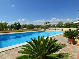 Floridia Villa Sleeps 10 with Pool Air Con and WiFi - 5247392