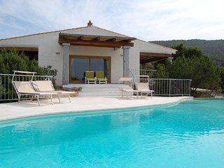 Cala Bitta Villa Sleeps 8 with Pool and WiFi - 5644326