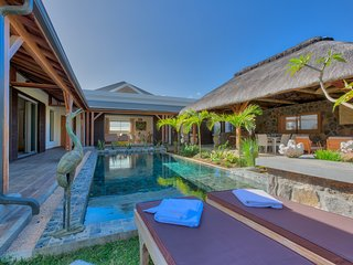 Luxury Tropical Villa*****