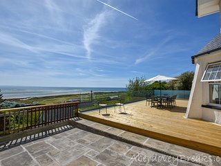 Magnificent 5 Bedroom Property Sleeping 10 Guests With Spectacular Sea Views