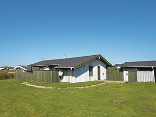 Amazing home in Løkken w/ 3 Bedrooms (A08510)