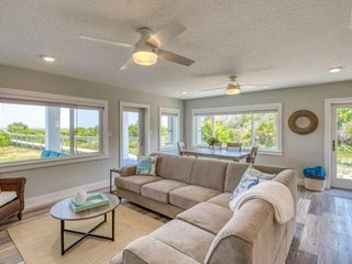 BEACHFRONT! Oceanfront Porch and view from entire living space! Priv. boardwalk,