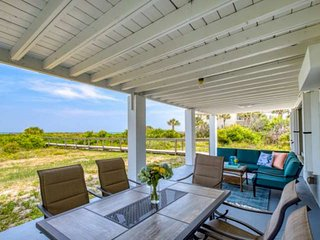 BEACHFRONT! Secluded, Porch & living area overlook ocean! Newly finished, Privat