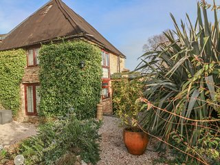 LILAC COTTAGE, character property, WiFi in Marldon