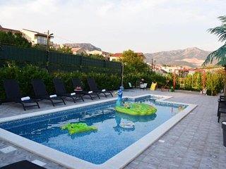 Villa Daniela - Four Bedroom Villa with Pool