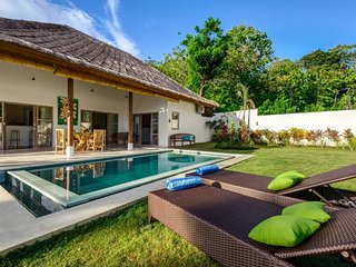 Launching Promo : Cosy nest in a spacious garden - Near famous beaches