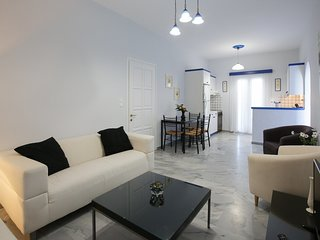 Cycladic home, few steps from the beach of Livadia
