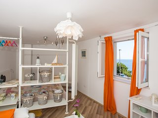 Apartment Pavle - Studio Apartment with Sea View