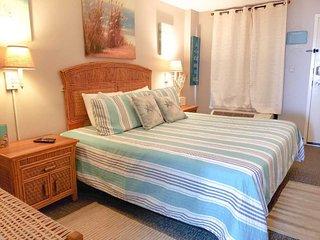 Oceanfront King Suite~Landmark 1242