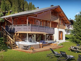 Ski in ski out 4* chalet for 14 - hot tub, sunny terraces - OVO Network