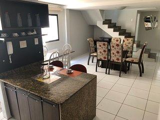 Cobertura 2 andares e 3 Suites a 100m da Praia do Morro