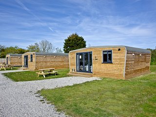 Wheal Tor, Wheal Dream, Nr Porthleven - A luxury lodge sleeping 4 a few miles fr