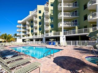 NEW LISTING! WHITE SAND BEACH! FOUR x 2BR/2BAs for 24 GUESTS, POOL, BALCONY!