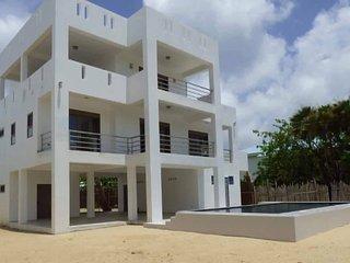Pelicans Crossing Seaside Escape-Main floor-2 Suites with kitchen/living area