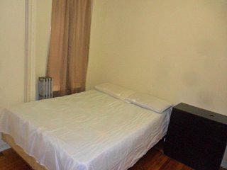 Eastern Parkway – Budget Double Room