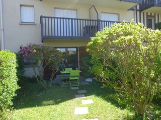 1 bedroom Apartment with Walk to Beach & Shops - 5046622