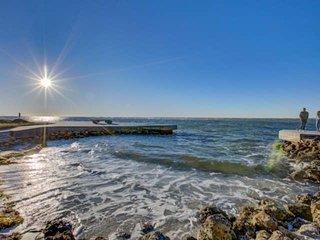 Gulf Frontage with Access, Private Pier on Siesta Key, 2-Level Condo w/Renovatio
