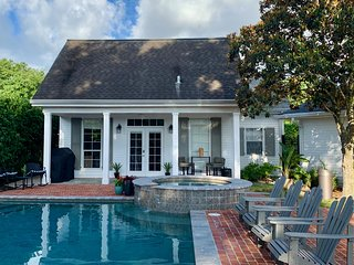 CUTE peaceful COTTAGE in the Heart of HOUMA!