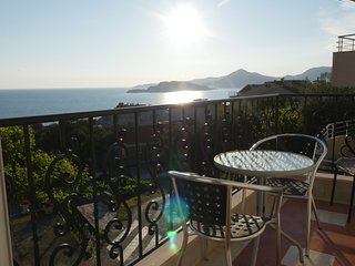 Superior 2 bed Apartment with Sea Views of Sveti Stefan
