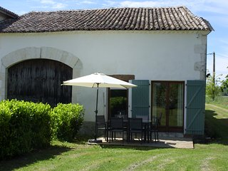 Discounted rate: Sept 2019. Beautiful 2-bedroom holiday gite in rural location.