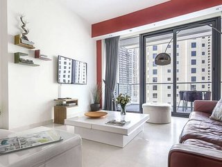 Superb & Artistic 2BR w/ a Big Balcony!