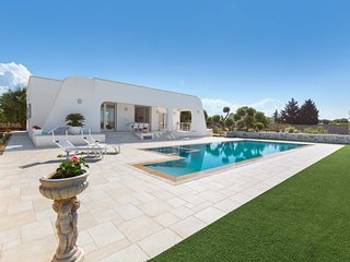 3 bedroom Villa with Pool and Air Con - 5796299