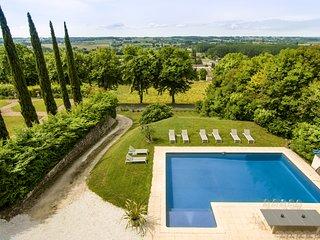 Duras Villa Sleeps 12 with Pool - 5800445