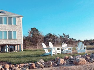 ON the Beach OCEANFRONT!  Sunrises & Sunsets -- House set out beyond all others!