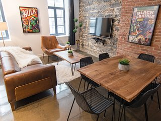#304408 . 1820 Chic Loft w/ Brick Walls | 100 Walk Score
