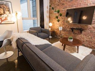 #306408 · 1820 Stylish Loft w/ Brick Walls | 100 Walk Score