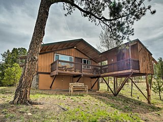 Florissant Cabin w/ Bunkhouse, New Deck & Views!